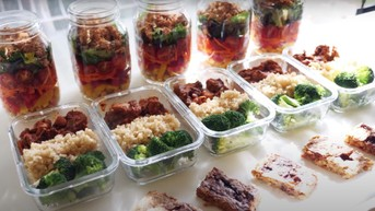 Chloe Ting's Budget Meal Prep For Weight Loss