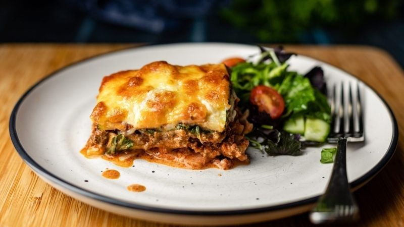 beef and bacon lasagne