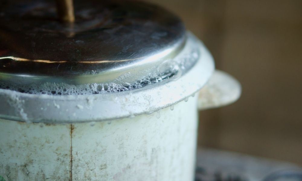 rice cooker contents bubbling over